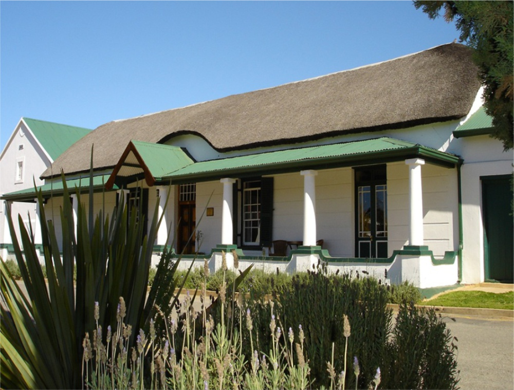 A Part of De Doornkraal is sold to establish Riverdale
